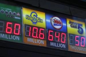 В США разыгран самый крупный в истории лотереи джекпот в размере $640 миллионов (ФОТО: Reuters)